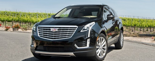 2017-Cadillac-XT5-AWD-36-Platinum-front-three-quarter