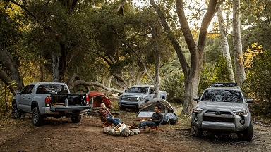 Tacoma-Tundra-and-4Runner-Trail-Special-Editions-shown-in-Cement.-The-Yakima®-LoadWarrior-cargo-basket-56-comes-standard-on-the-2021-4Runner-Trail-Special-Edition.-scaled