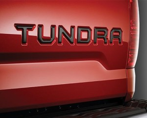 tundra-blacked-out-badge-emblem__51229_1513296699_500_750